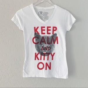 Keep Calm and Kitty On cat graphic v neck tee